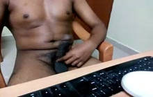 Indian boyfriend jerking off while chatting online